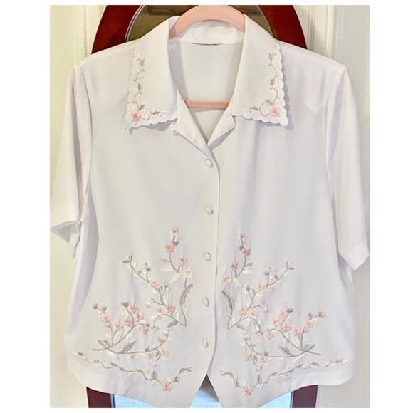 Vintage embroidered short sleeve blouse